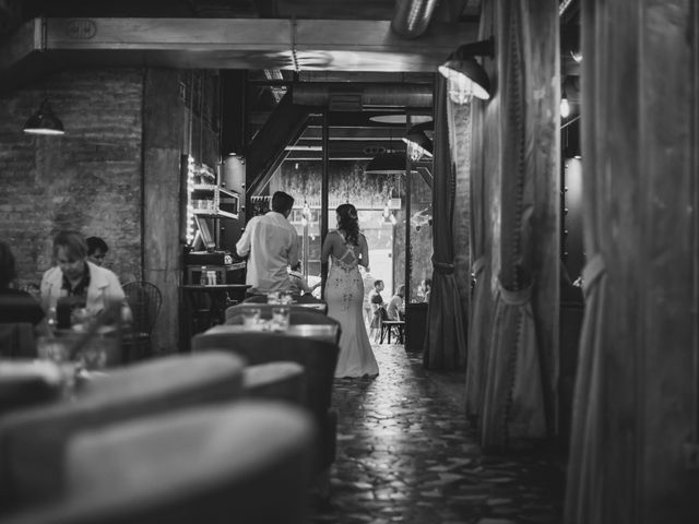 La boda de Guille y Mary en Madrid, Madrid 85