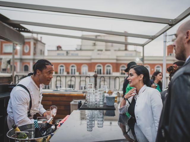 La boda de Guille y Mary en Madrid, Madrid 295