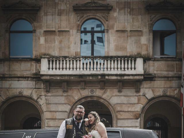 La boda de Jose y Isabel en Gijón, Asturias 17