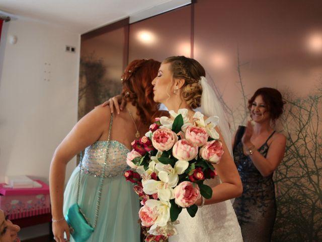 La boda de Adrián y Vanessa en Alacant/alicante, Alicante 28