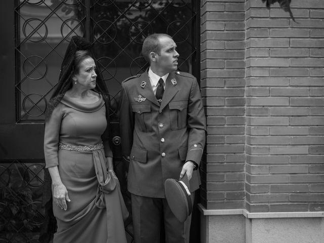 La boda de Carmona y Julia en Utrera, Sevilla 19