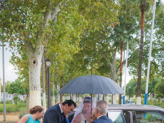 La boda de Carmona y Julia en Utrera, Sevilla 23