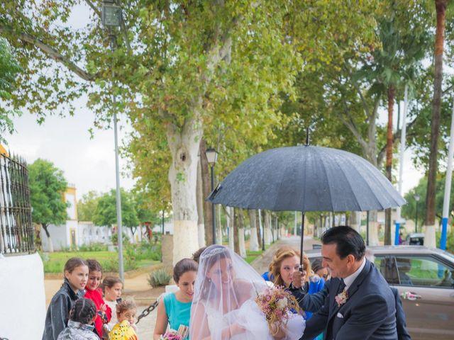 La boda de Carmona y Julia en Utrera, Sevilla 24