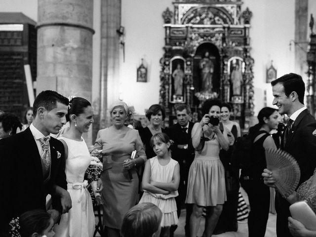 La boda de Ángel y Elena en Los Santos De Maimona, Badajoz 17