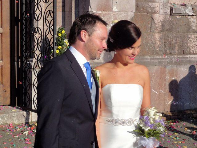 La boda de Diego y Laura en Oviedo, Asturias 1