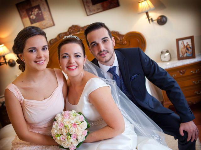 La boda de Juan Carlos y Miriam en Casas De Los Pinos, Cuenca 10