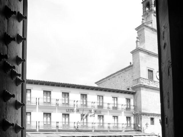 La boda de Juan Carlos y Miriam en Casas De Los Pinos, Cuenca 12