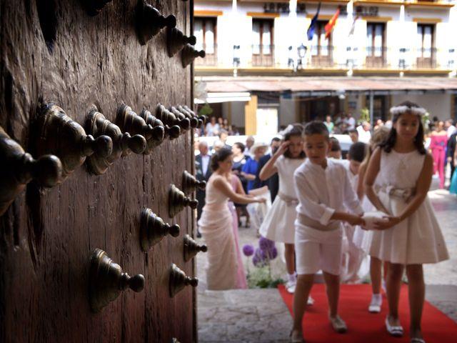 La boda de Juan Carlos y Miriam en Casas De Los Pinos, Cuenca 14