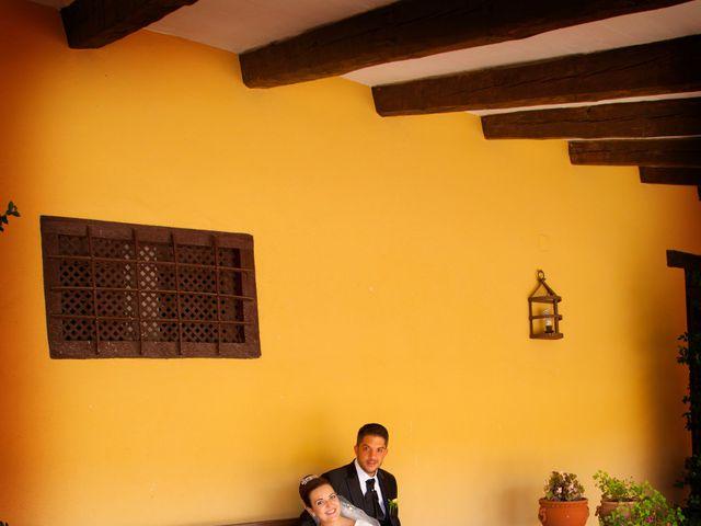 La boda de Juan Carlos y Miriam en Casas De Los Pinos, Cuenca 22