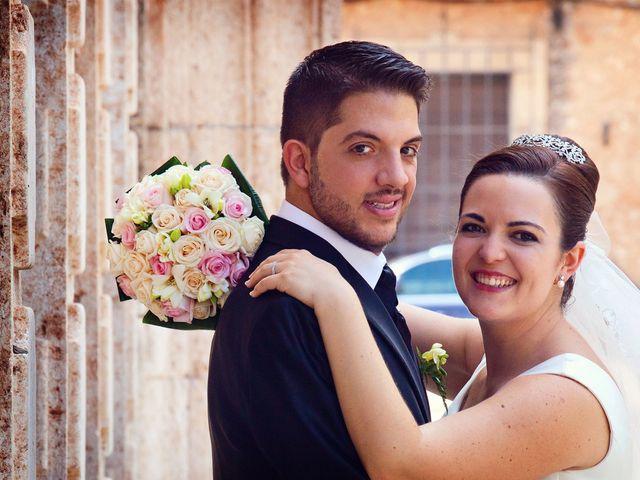 La boda de Juan Carlos y Miriam en Casas De Los Pinos, Cuenca 25