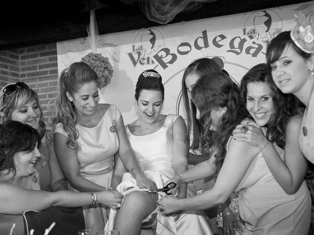 La boda de Juan Carlos y Miriam en Casas De Los Pinos, Cuenca 30