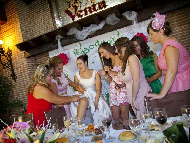 La boda de Juan Carlos y Miriam en Casas De Los Pinos, Cuenca 31