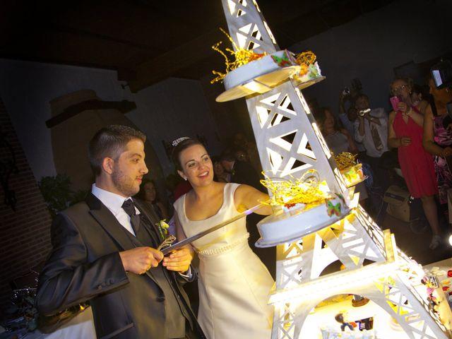 La boda de Juan Carlos y Miriam en Casas De Los Pinos, Cuenca 33