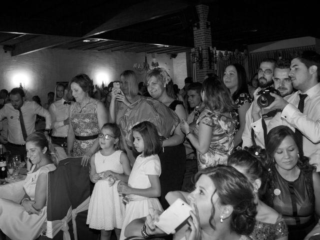 La boda de Juan Carlos y Miriam en Casas De Los Pinos, Cuenca 35