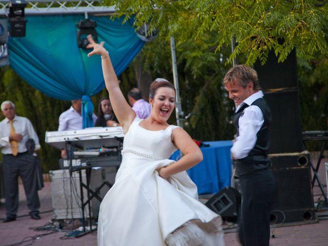 La boda de Juan Carlos y Miriam en Casas De Los Pinos, Cuenca 43