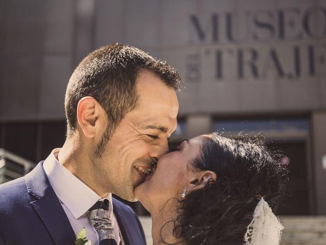 La boda de Rafa y Charo en Madrid, Madrid 37