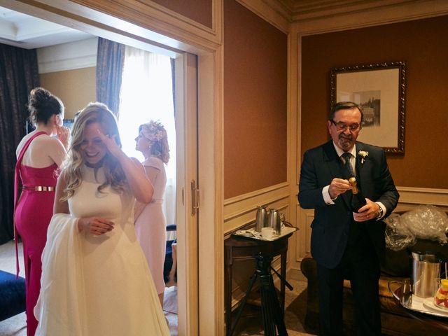 La boda de Dennis y Laura en Oviedo, Asturias 14