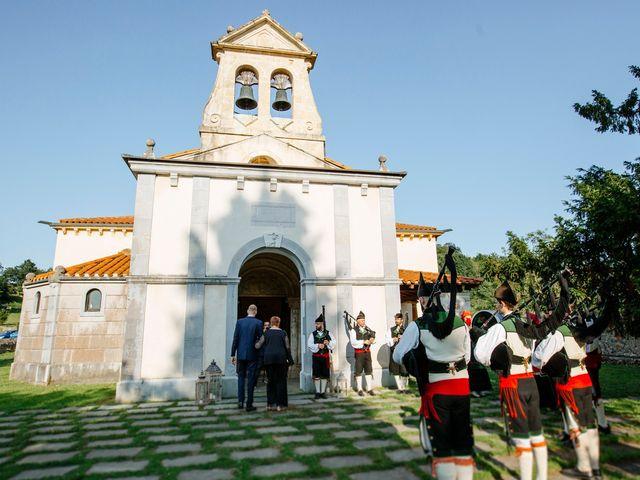 La boda de Dennis y Laura en Oviedo, Asturias 26