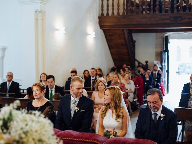 La boda de Dennis y Laura en Oviedo, Asturias 38