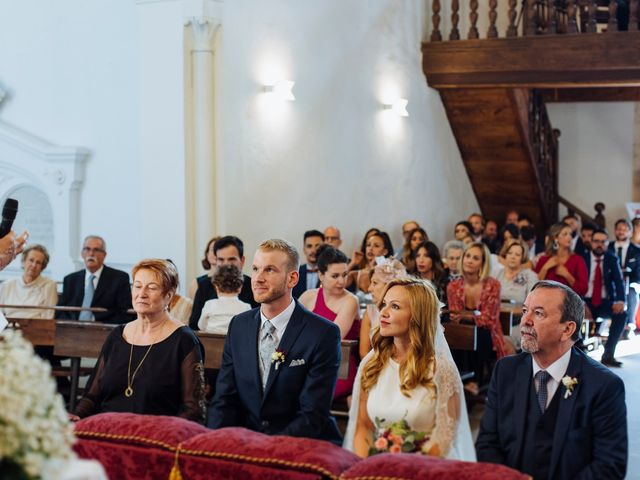 La boda de Dennis y Laura en Oviedo, Asturias 39