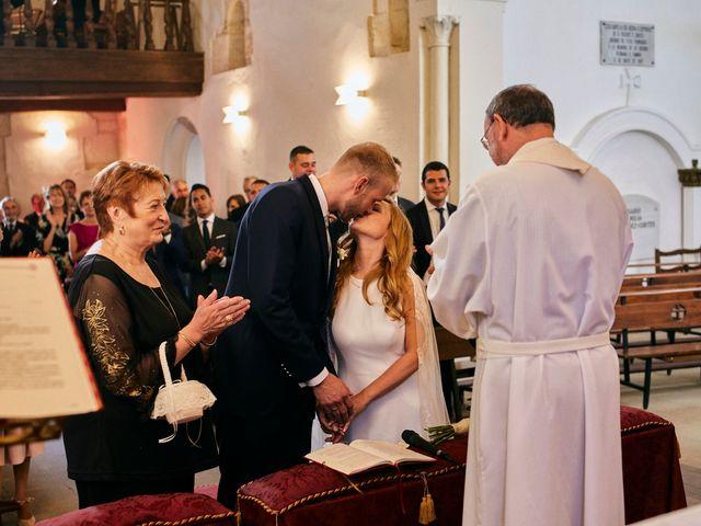 La boda de Dennis y Laura en Oviedo, Asturias 42