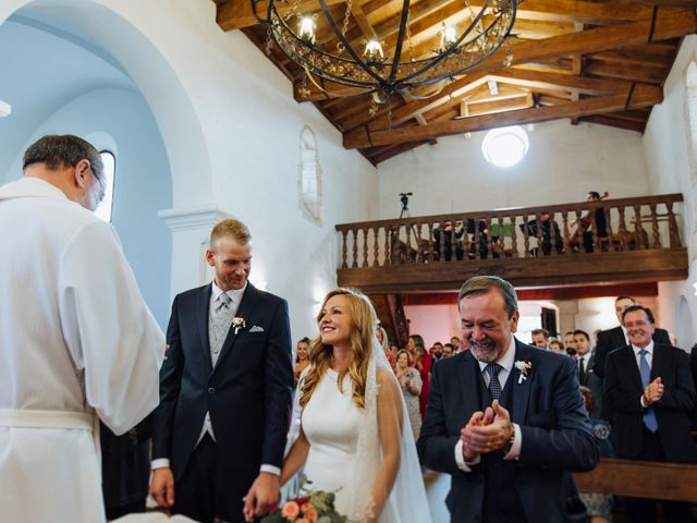 La boda de Dennis y Laura en Oviedo, Asturias 43