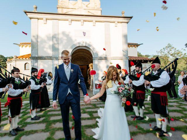 La boda de Dennis y Laura en Oviedo, Asturias 47
