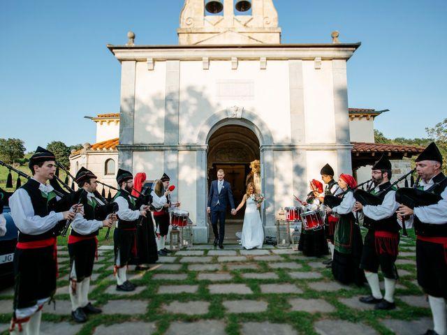 La boda de Dennis y Laura en Oviedo, Asturias 48