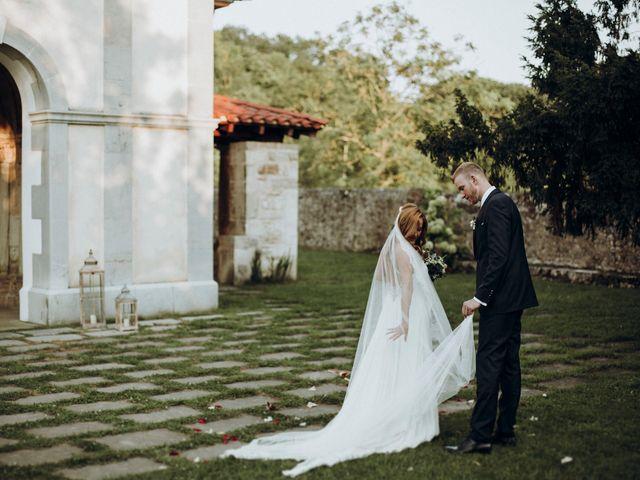 La boda de Dennis y Laura en Oviedo, Asturias 52