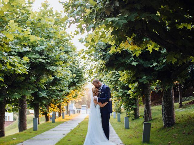 La boda de Dennis y Laura en Oviedo, Asturias 61