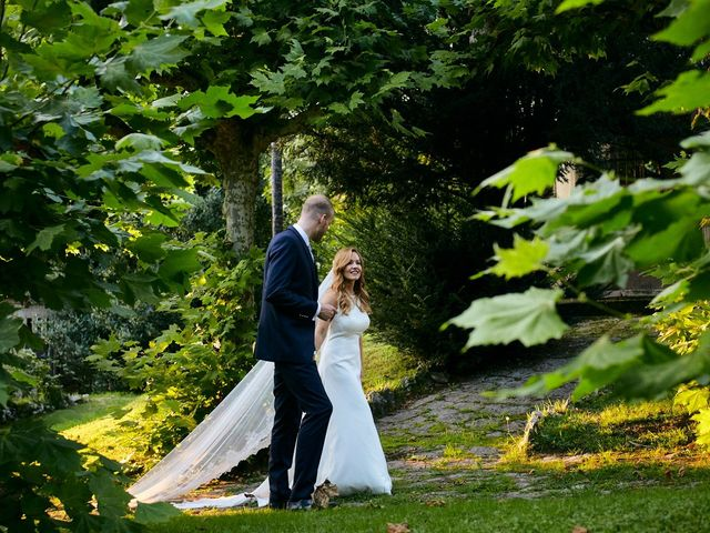 La boda de Dennis y Laura en Oviedo, Asturias 64