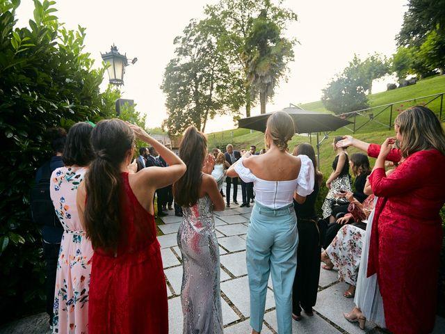 La boda de Dennis y Laura en Oviedo, Asturias 71