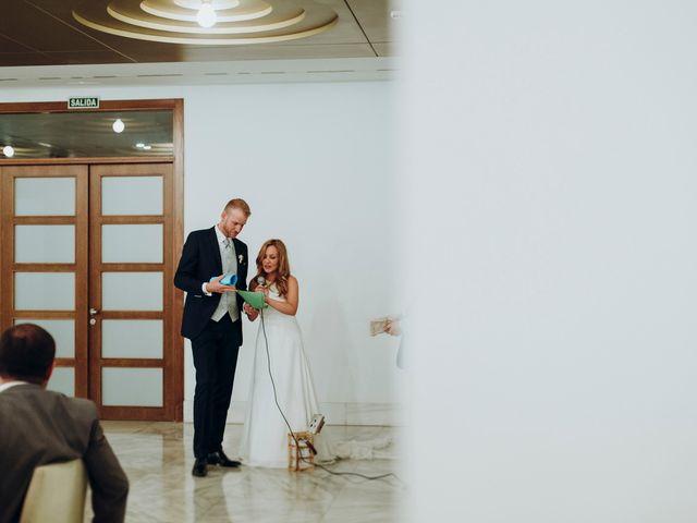La boda de Dennis y Laura en Oviedo, Asturias 79