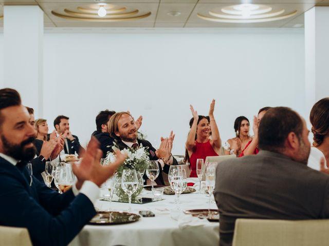 La boda de Dennis y Laura en Oviedo, Asturias 80