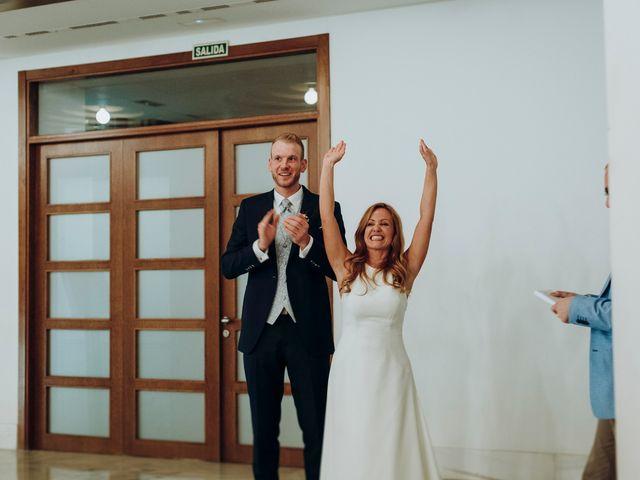 La boda de Dennis y Laura en Oviedo, Asturias 81