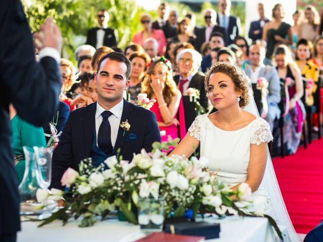 La boda de Alberto y Almudena en Valdepeñas, Ciudad Real 22