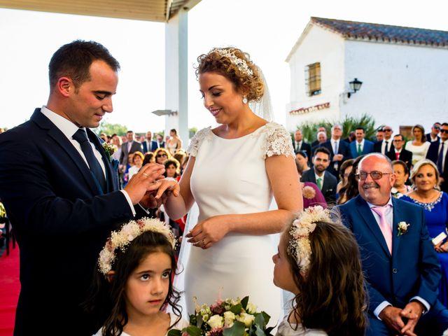 La boda de Alberto y Almudena en Valdepeñas, Ciudad Real 25