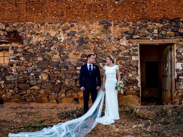 La boda de Alberto y Almudena en Valdepeñas, Ciudad Real 27