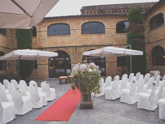 La boda de Enol y Ana en Cangas De Onis, Asturias 15