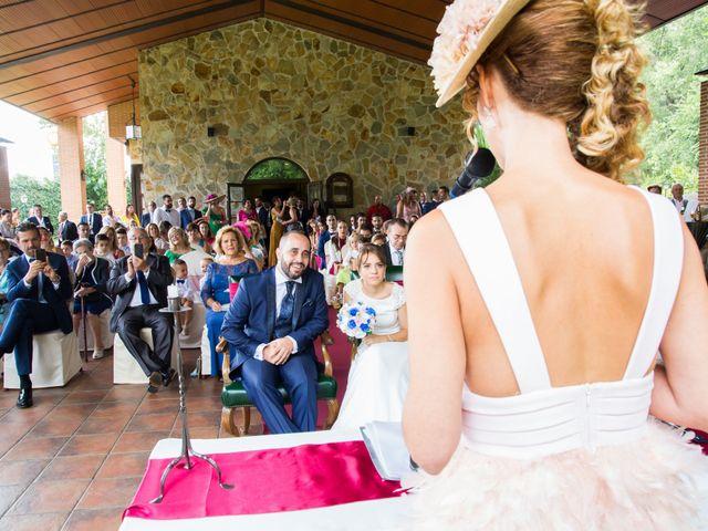 La boda de Roberto y Sara en Fuenlabrada, Madrid 31