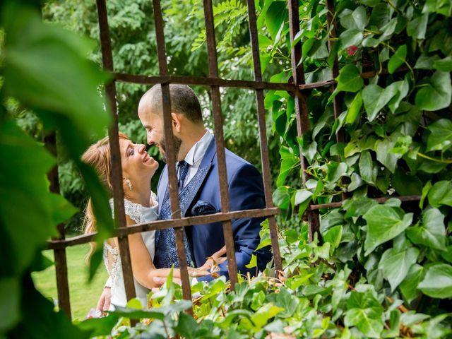 La boda de Roberto y Sara en Fuenlabrada, Madrid 1