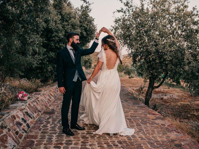 La boda de Toni y María en Caracuel De Calatrava, Ciudad Real 99