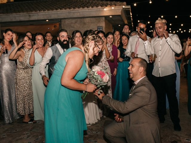 La boda de Toni y María en Caracuel De Calatrava, Ciudad Real 170