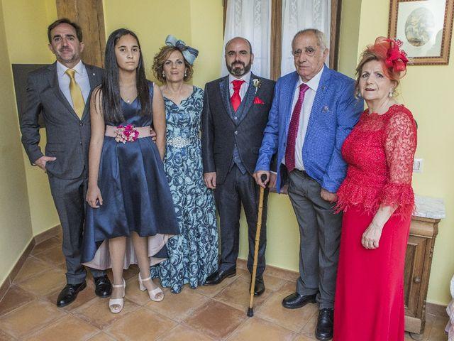 La boda de Julián  y Noelia en Piedrabuena, Ciudad Real 24