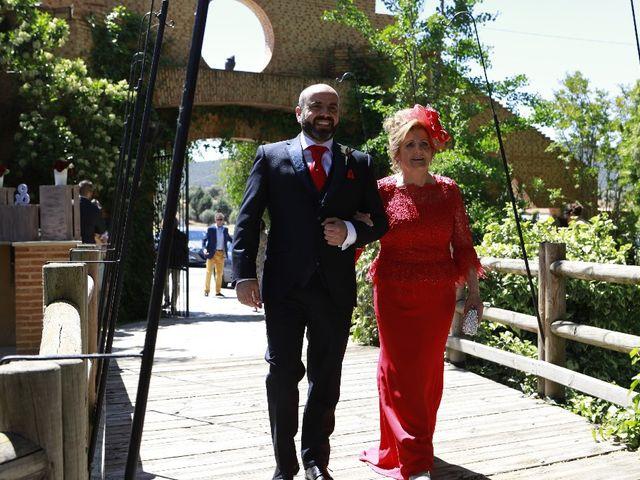 La boda de Julián  y Noelia en Piedrabuena, Ciudad Real 25