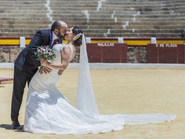 La boda de Julián  y Noelia en Piedrabuena, Ciudad Real 34