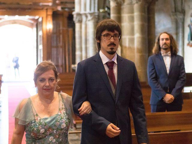 La boda de Jon y María en Santoña, Cantabria 37
