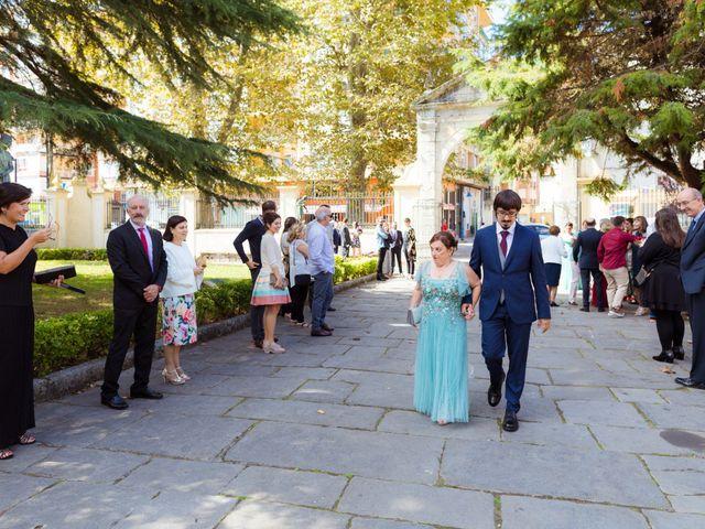 La boda de Jon y María en Santoña, Cantabria 38
