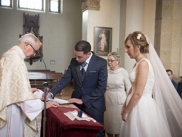 La boda de Javi y Rocío en Getxo, Vizcaya 25