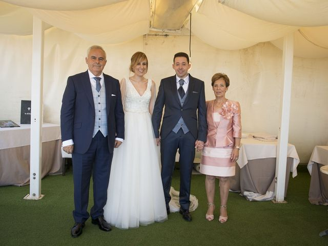 La boda de Javi y Rocío en Getxo, Vizcaya 47